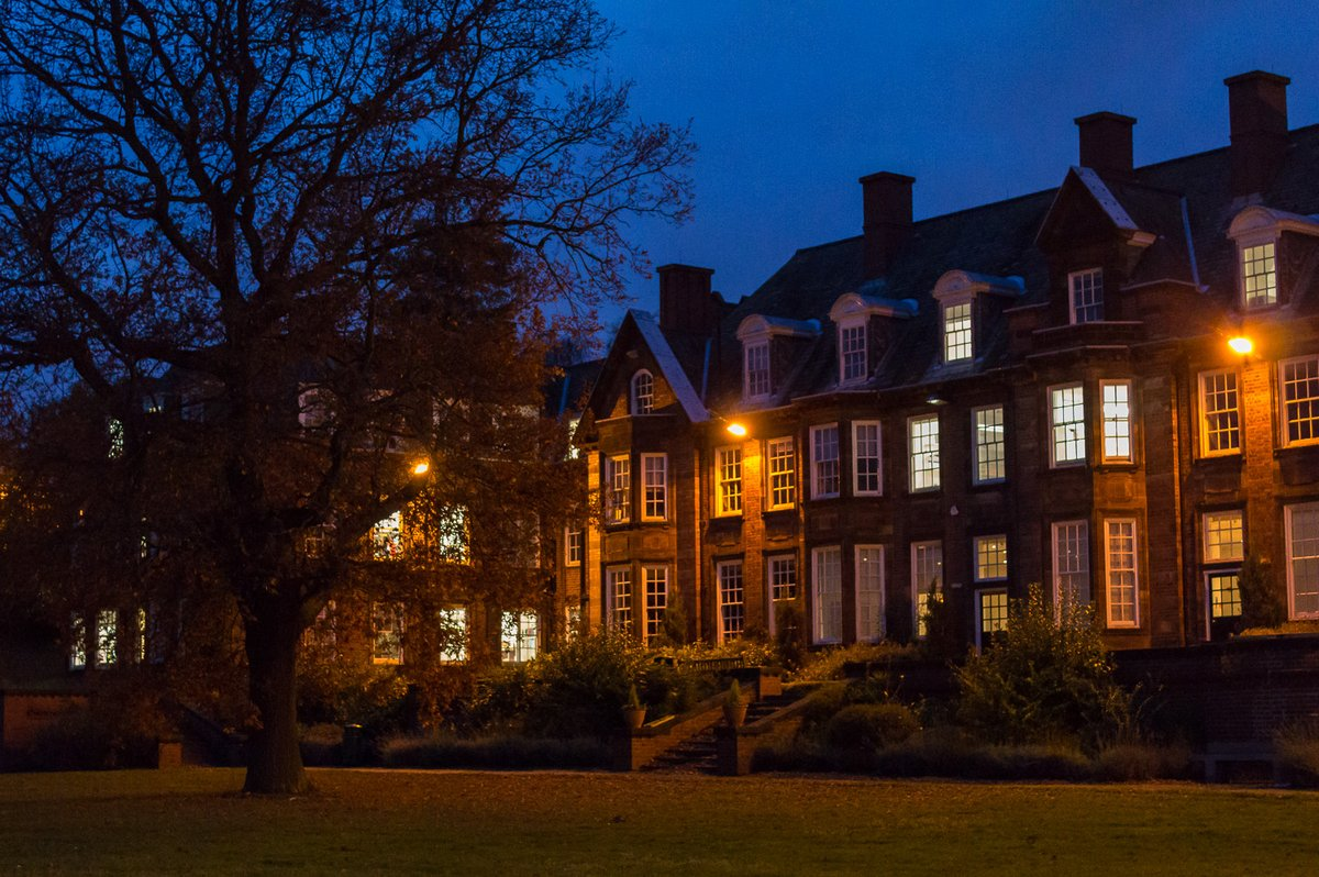 University of Birmingham - Birmingham Business School at night